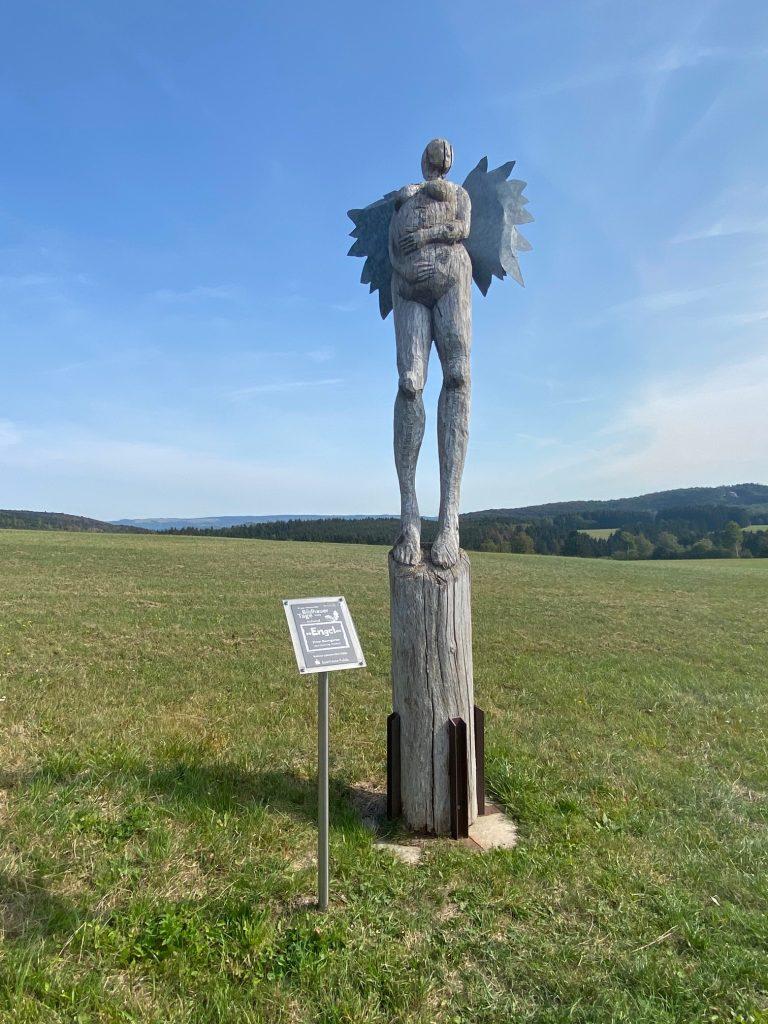 Skulptur Engel auf der Poppenhausener Kunstmeile